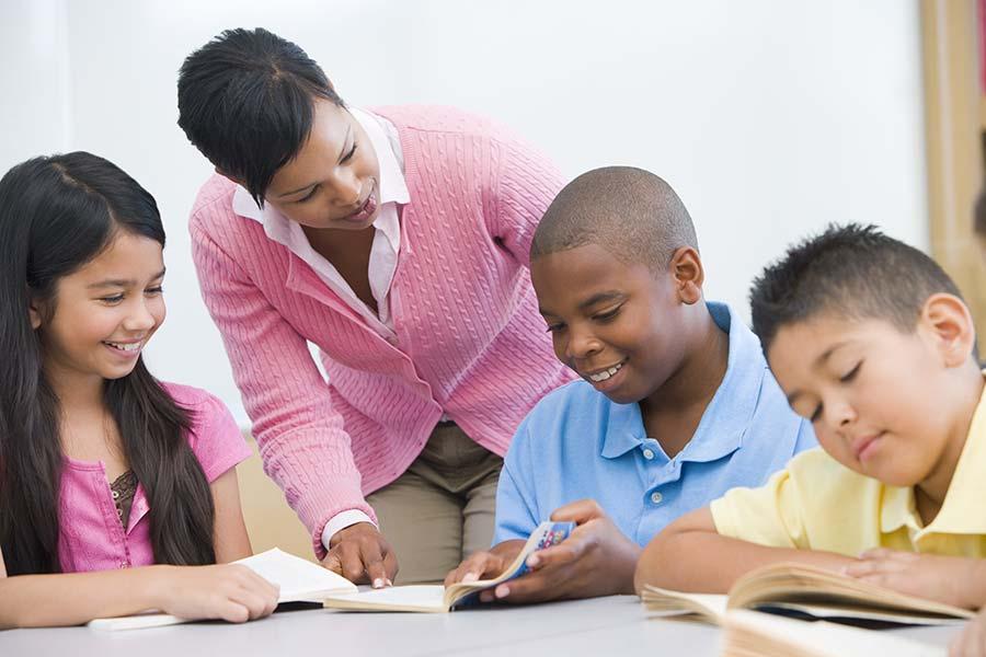 Teacher-reading-with-children